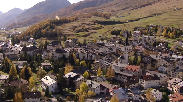ws aerial zi zo view of village center of zuoz and inn river / zuoz, upper engadin, switzerland - inn river stock videos and b-roll footage
