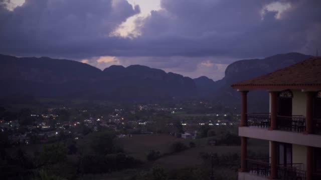 vídeos de stock, filmes e b-roll de view of vinales valley at night, unesco world heritage site, pinar del rio province, cuba, west indies, caribbean, central america - vale