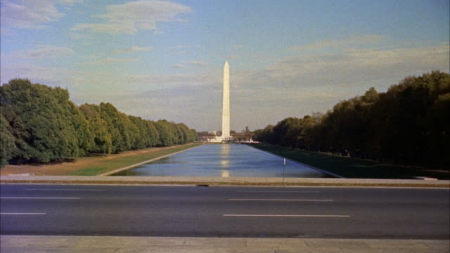 ws view of washington monument / washington d.c. , united states - 1950 1959 個影片檔及 b 捲影像