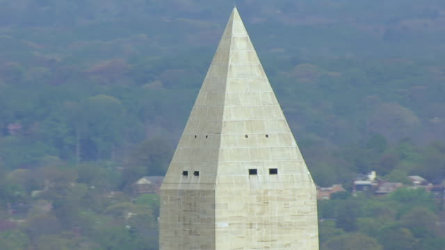 ms aerial pov view of washington monument / washington dc, united states - washington monument washington dc stock videos & royalty-free footage