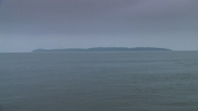 ws view of water looks gray and can't see mountains  - approaching stock videos & royalty-free footage