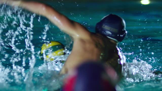 vídeos de stock e filmes b-roll de ms slo mo view of waterpolo game / riverside, california, united states - esforço
