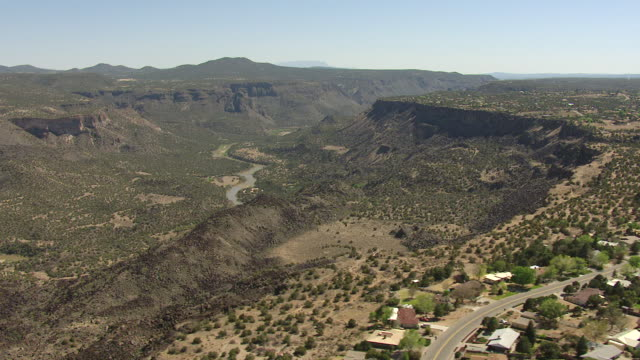 ws aerial view of white rock suburbs lead to canyon in los alamos county / new mexico, united states - new mexico stock videos & royalty-free footage