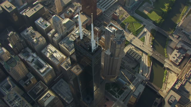 ws ds aerial pov view of willis tower with cityscape / chicago, cook county, illinois, united states  - willis tower stock videos and b-roll footage