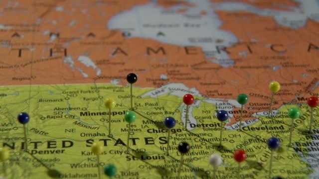 cu pan view of world map with push pins / atlanta, georgia, usa - 画鋲点の映像素材/bロール