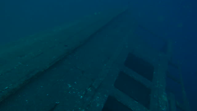 vidéos et rushes de vue du navire naufragé - épave