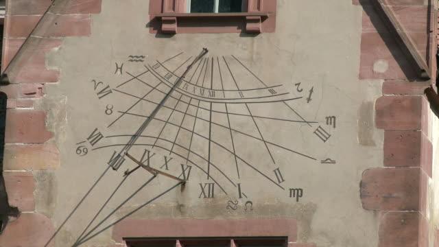 cu view of writing text on castle wall / heidelberg, baden-wuerttemberg, germany - ハイデルベルク点の映像素材/bロール