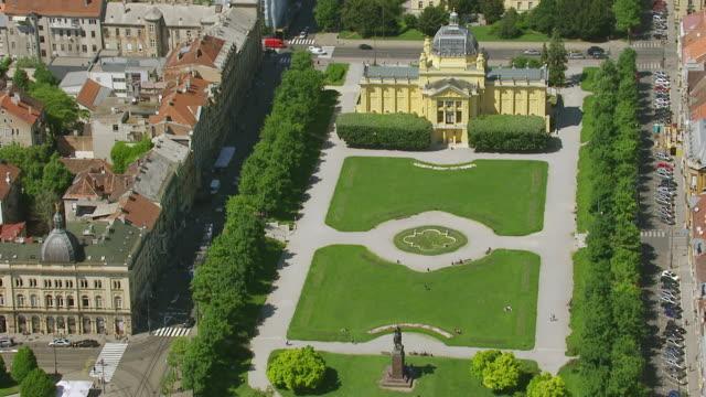 MS AERIAL View over Art Pavilion / Zagreb, Croatia