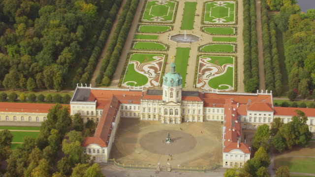 ws aerial ds view over charlottenburg palace / berlin, germany - charlottenburg palace stock videos & royalty-free footage