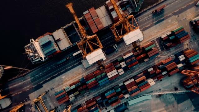 Luchtfoto uitzicht over Containerhaven