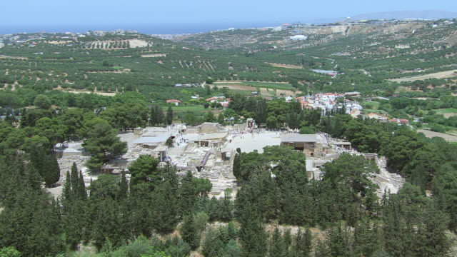 WS AERIAL View over Knossos / Heraklion, Crete, Greece