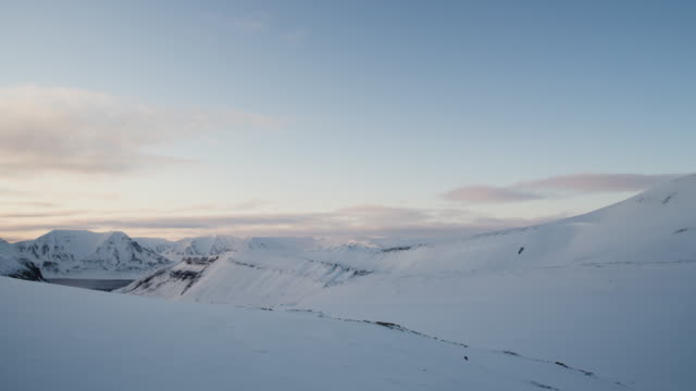 view over longyearbreen glacier, svalbard - svalbard islands stock videos & royalty-free footage