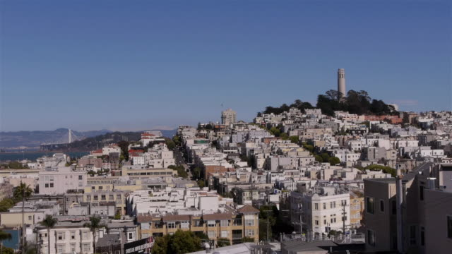 ws- view over north beach with coit tower. san francisco ca - コイトタワー点の映像素材/bロール