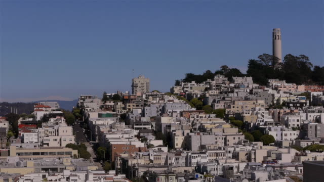 mws- view over north beach with coit tower. san francisco ca - コイトタワー点の映像素材/bロール