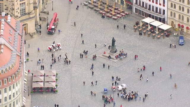 ws aerial zo view over pedestrian near monument and frauenkirche / dresden, saxony, germany - dresden germany stock videos & royalty-free footage