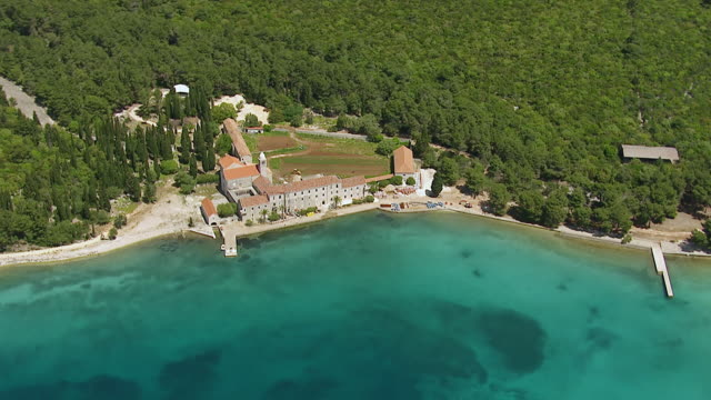 ws aerial ds view over resort along adriatic sea / korcula, dubrovnik neretva county, croatia - adriatic sea stock videos & royalty-free footage