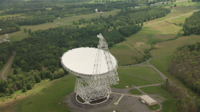 ms aerial view over robert c byrd green bank telescope in pocahontas county / west virginia, united states - bank stock-videos und b-roll-filmmaterial