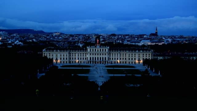view over schönbrunn palace at dusk, vienna, vienna, austria, europe - ウィーン点の映像素材/bロール