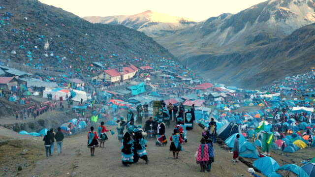 a view over the site as pilgrims camp at the annual qoyllur rit'i festival on may 28 2018 in ocongate peru every year since 1783 in the sinakara... - religious music stock videos and b-roll footage