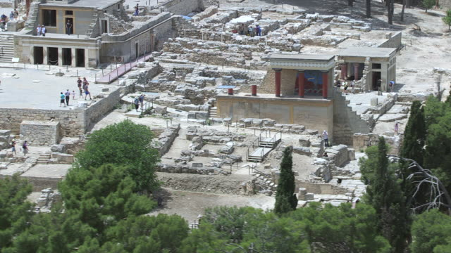 WS AERIAL View over tourist visits Knossos / Heraklion, Crete, Greece