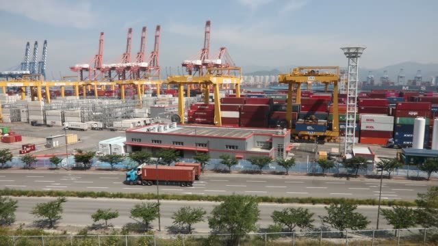 view scene of new container port at busan, south korea.south korea's economy is expected to contract 1.2 percent this year as the coronavirus... - korean new year stock-videos und b-roll-filmmaterial