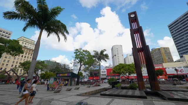 vídeos de stock, filmes e b-roll de vista para uma praça no centro de fortaleza, ceará, brasil - praça