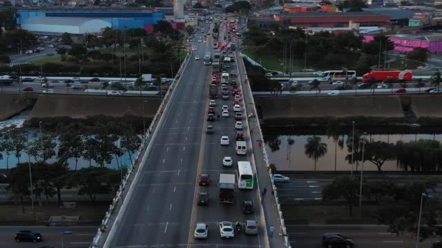 vidéos et rushes de vue sur marginal tiete et freguesia do ó bridge, sao paulo, brésil - centre ville