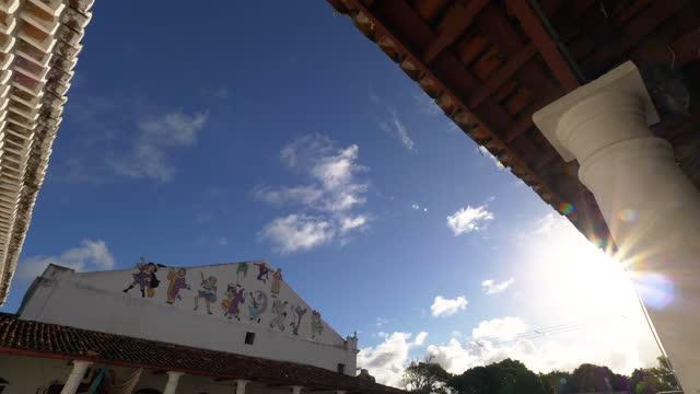 オリンダ市場、ペルナンブーコ、ブラジルへの眺め - ギフトショップ点の映像素材/bロール