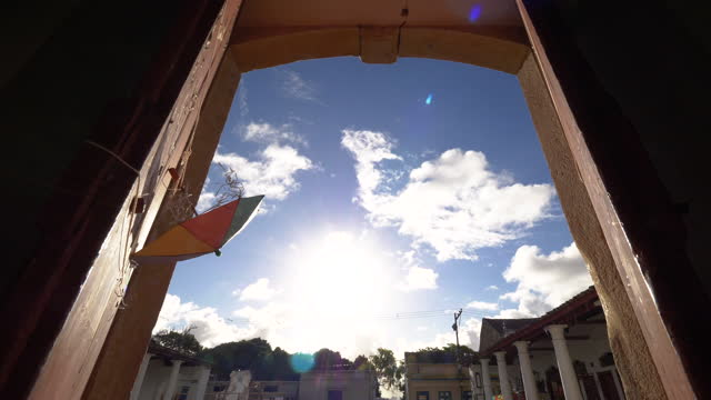 vídeos de stock, filmes e b-roll de vista para o mercado de olinda, pernambuco, brasil - recife fenômeno natural