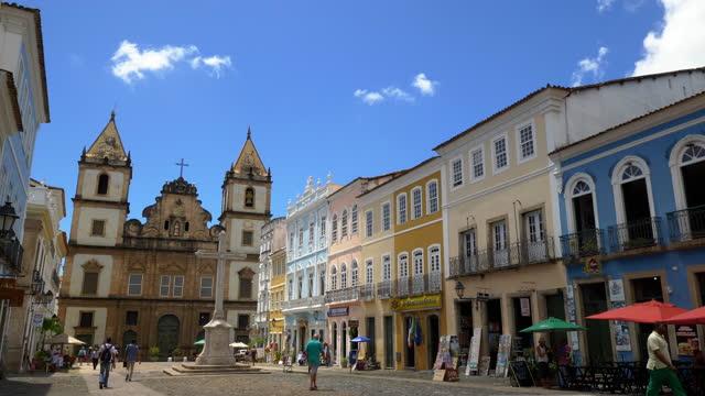 vídeos de stock, filmes e b-roll de vista para salvador no centro da bahia, brasil - cidade pequena