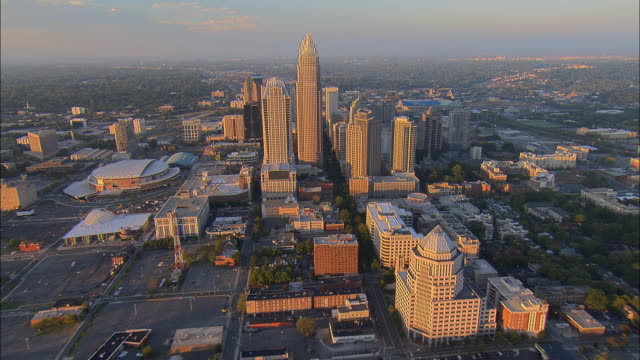aerial ws view toward bank of america corporate center and above downtown cityscape / charlotte, north carolina, usa - charlotte north carolina stock videos & royalty-free footage