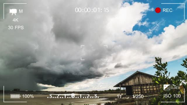 TL: Zoeker digitale videocamera weergegeven: storm