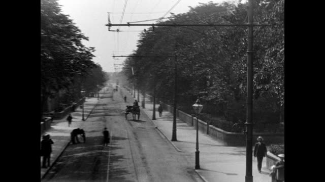 views along blackpool lytham tram route 1903 - blackpool stock-videos und b-roll-filmmaterial