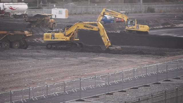 views of a hs2 construction site - construction machinery stock videos & royalty-free footage
