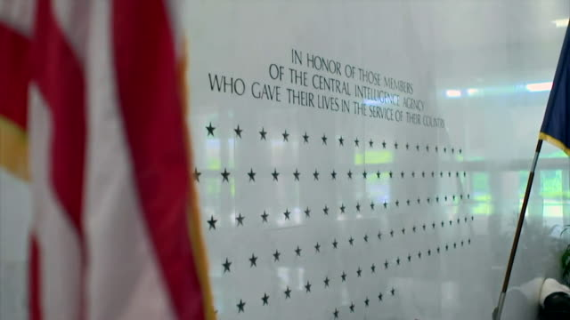 views of a memorial to fallen cia agents at the agency's headquarters in langley virginia - hauptfirmensitz stock-videos und b-roll-filmmaterial