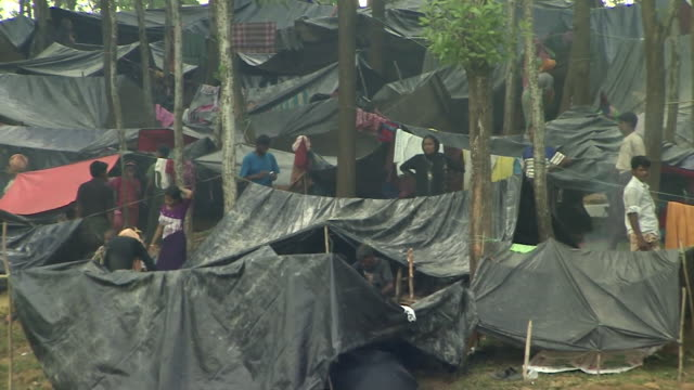 Views of a refugee camp in Bangladesh sheltering many Rohingya Muslims NNBZ112R ABSA627D
