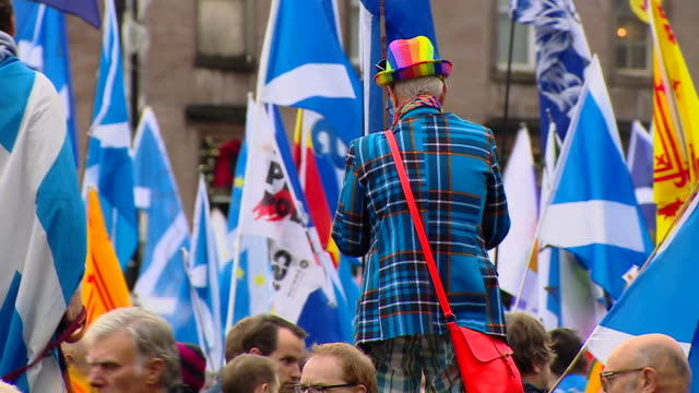 views of a scottish independence rally in glasgow's george square - scotland stock videos & royalty-free footage