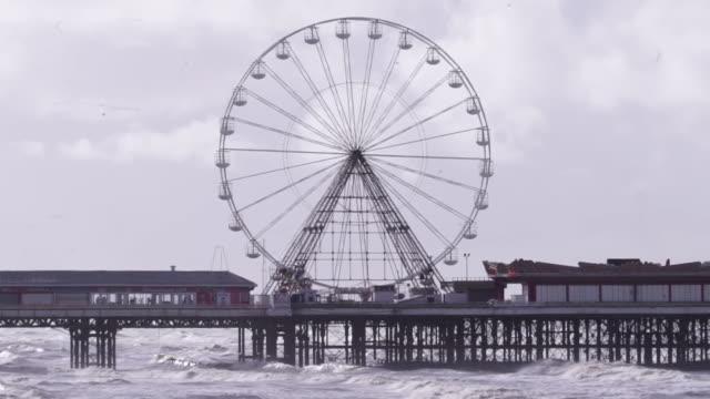 views of blackpool pier - big wheel stock videos & royalty-free footage