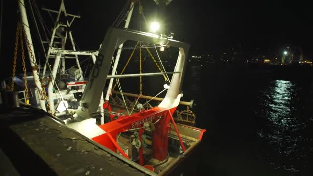 vídeos de stock, filmes e b-roll de views of brixham harbour at night - indústria da pesca
