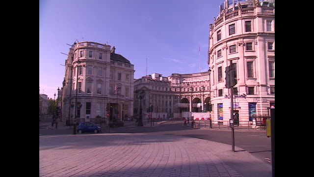 views of central london during coronavirus lockdown - big cat stock videos & royalty-free footage