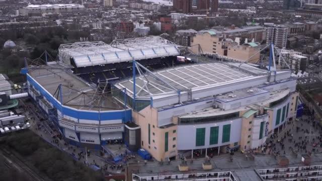 vídeos y material grabado en eventos de stock de views of chelsea fc's stamford bridge stadium - chelsea