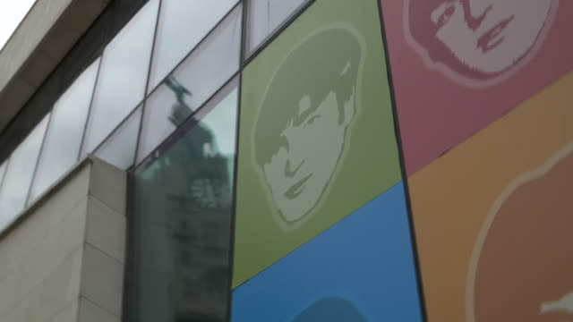"""views of cultural attractions in liverpool - """"bbc news"""" stock videos & royalty-free footage"""