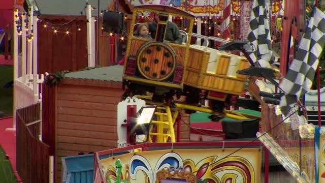 views of edinburgh christmas market - big wheel stock videos & royalty-free footage