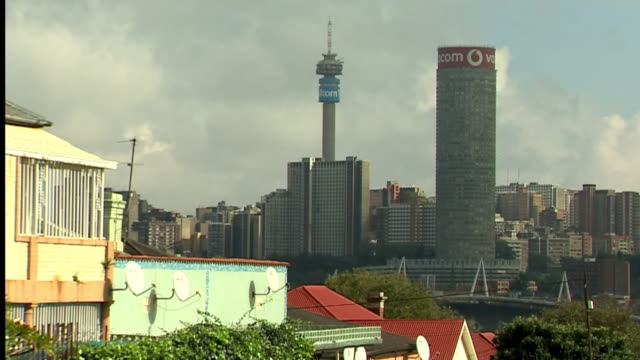 views of johannesburg during coronavirus lockdown - inquadratura fissa video stock e b–roll