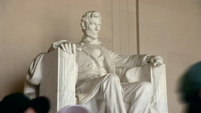 views of landmarks in washington dc - lincolndenkmal stock-videos und b-roll-filmmaterial