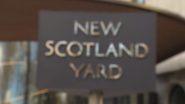 views of new scotland yard - ニュースコットランドヤード点の映像素材/bロール