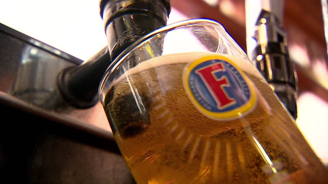 views of pints of lager being poured - pouring stock videos & royalty-free footage