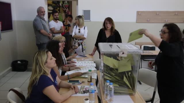 views of queues of voters and ballot boxes in turkey during june 2018's presidential election. - röstsedel bildbanksvideor och videomaterial från bakom kulisserna