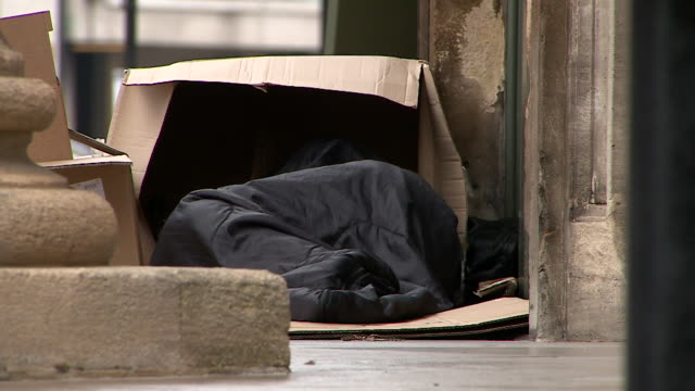 views of rough sleepers around london - sleeping stock videos & royalty-free footage
