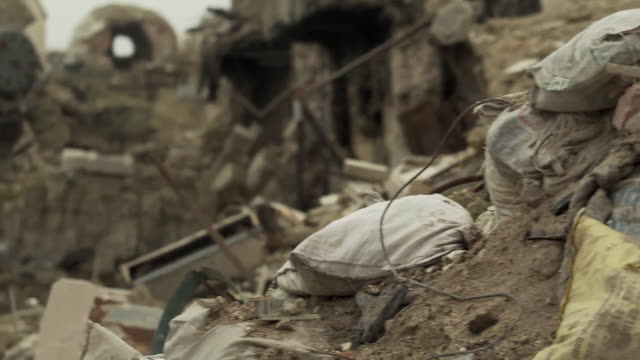 stockvideo's en b-roll-footage met views of rubble and debris in aleppo - geruïneerd